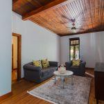 Room 15, Living room